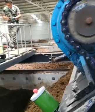 山东莱西客户年产3万年纽恩,连扳翻抛机使用发酵现场